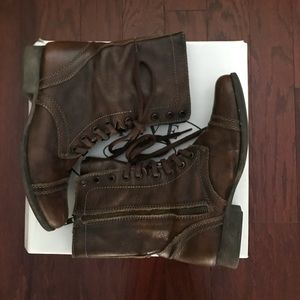 Size 8 Steve Madden Troopa Boots